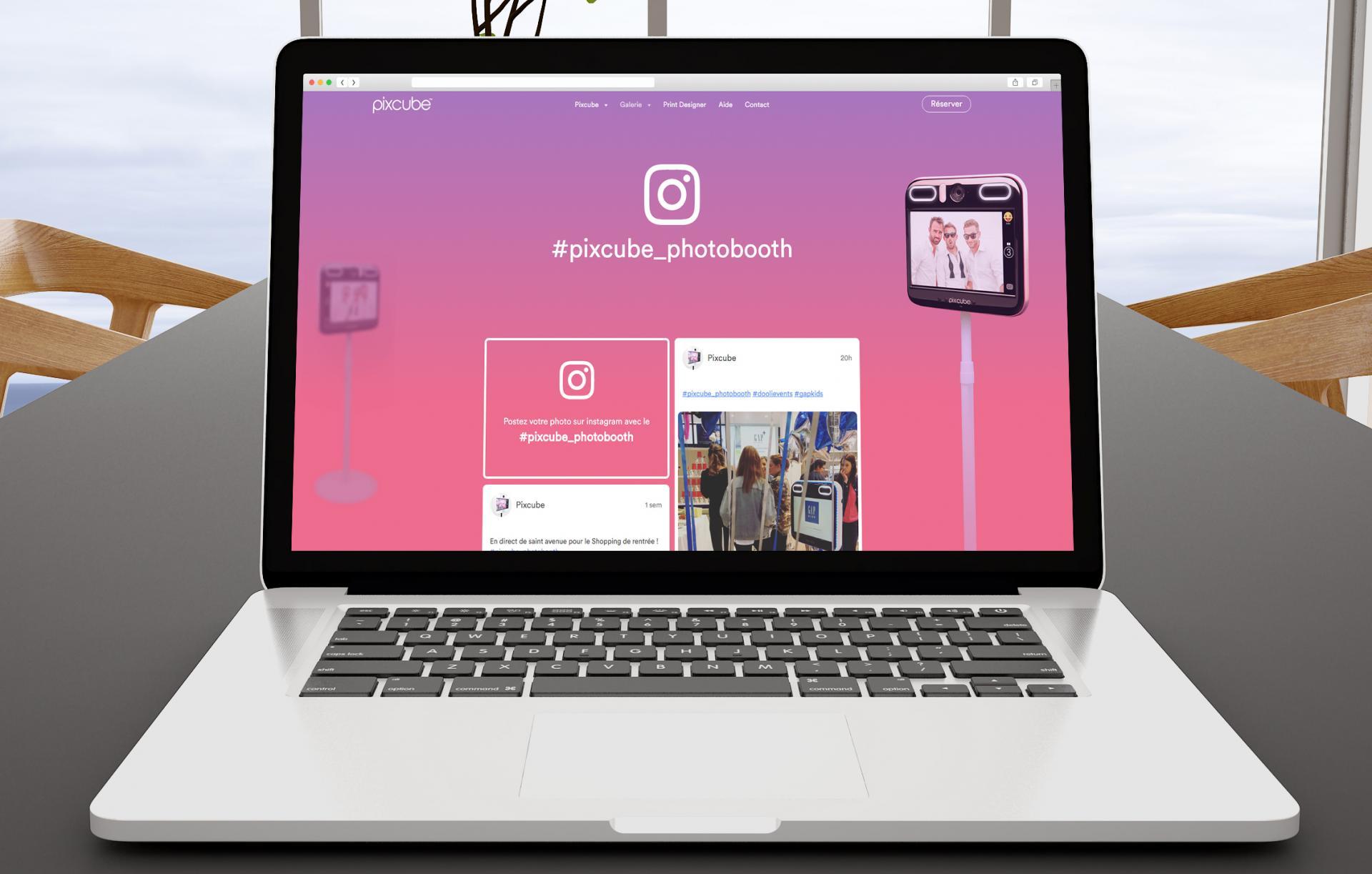 Social wall instagram pixcube
